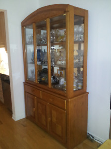 Display cabinet in excellent condition