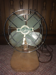 Vintage Green SEA BREEZE Art Deco Desk Fan Model 6161