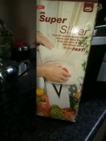Veg or fruit slicer