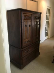 Men's dresser - Excellent condition