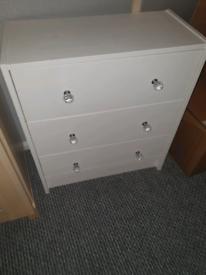 White 3 chest drawers