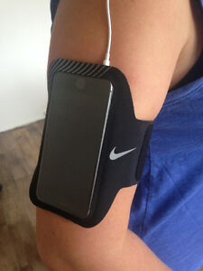Nike E2 Prime Performance Running Armband for iPhone 5