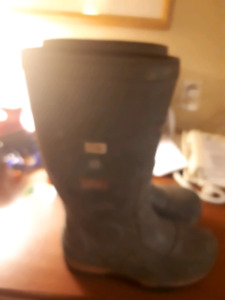 Baffin ice near steel towed work boots