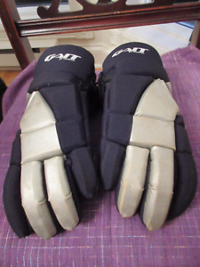 Men's Size Large Lacrosse gear - pads, gloves, helmet, protector