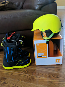 New helmet with boys size 4 Boots