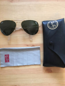 Lunettes Ray Ban aviator sunglasses en parfait état!