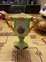 BEAUTIFUL ITALIAN Fine Bone China VASE made in Italy  mint cond