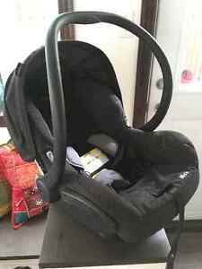 MAXI COSI Baby car seat exp. 2022/ coquille banc d'auto West Island Greater Montréal image 2