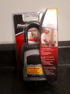 Master Lock Lock Box 5400D. New in package!
