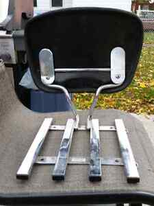 Six pack rack with removable back rest London Ontario image 3