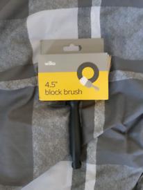 Block brush 4.5 inch UNOPENED