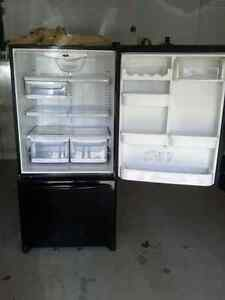 Bottom-Mount Refrigerator / Réfrigérateur Superposé 22.1 C.F.