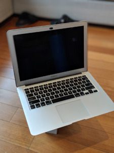Macbook Air (2015)  - 13""