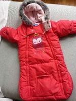 Habit d'hiver (nid d'ange) 0-12 mois pour fille