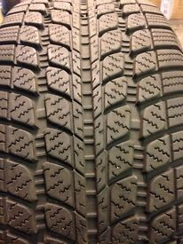2 x Sunny Snowmaster Winter tyres 225 40 18. 7/8mm tread