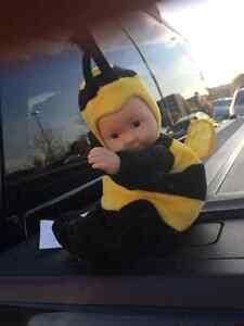 Anne Geddes plush beanbag bumblebee toy Kingston Kingston Area image 3