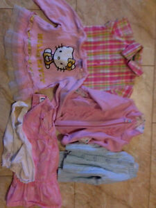 Box of baby girl size 3 months to 12 months clothes. Kitchener / Waterloo Kitchener Area image 6