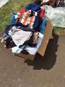 Box of boys clothes 3 - 12 months