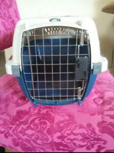 SELLING ANIMAL CARRIER  $10.00