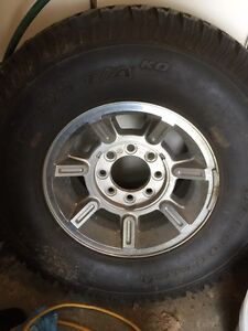 315 70 R 17 inch Hummer wheels and tires $200 each