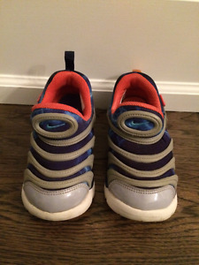 Extremely comfortable baby Nike sneakers, size 10 US