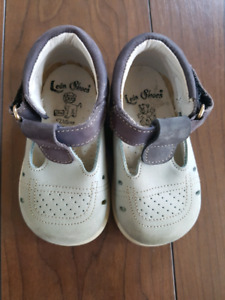 High quality infant shoes size 3/4