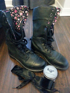 Dr. Martens Leather Women's Boots High with original ribbon lace Kitchener / Waterloo Kitchener Area image 1