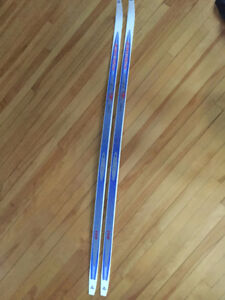 Skis de fond Fisher 195 cm