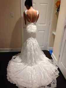 Pre Owned Stella York Ivory Wedding Dress with Tiara