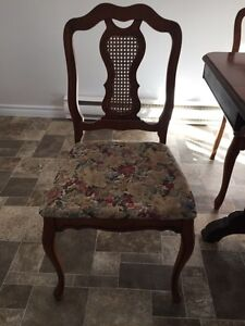Vintage Dining room table and chairs West Island Greater Montréal image 2