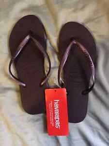 Havainas Flip Flops Dark Purple Womens Slim NEW 7/8