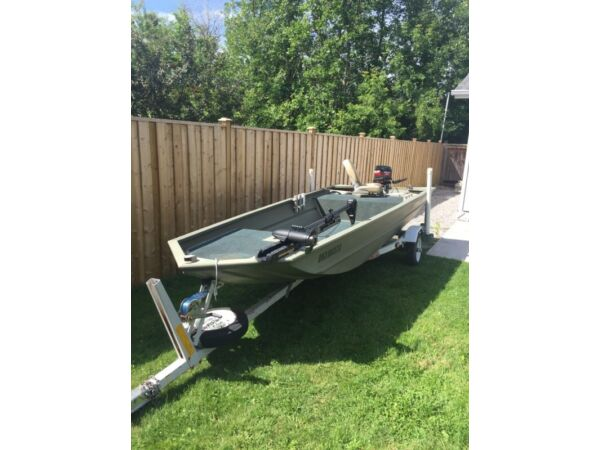 Used 2011 Tracker grizzly