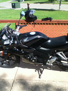 cbr honda 2007 in perfect condition ready to go with no headeck.