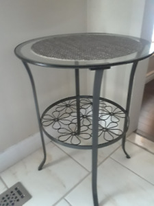 Stool (Glass top) for 20$