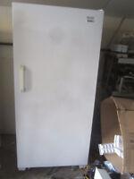 upright & chest freezers