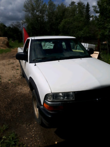 Chevrolet s10 2002 long box reg cab