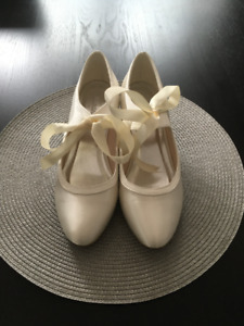Satin Bridal Shoes.  Size 8.  Never worn.