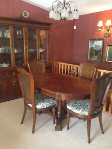 Exquisite SOLID Mahogany Dining Room Suite