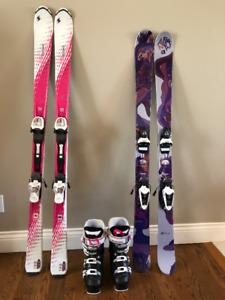Paires de skis et bottes pour fille