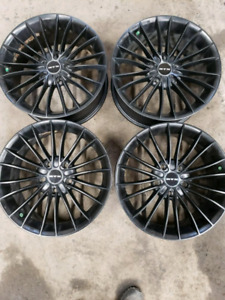 "Mags 17"" 5x120"