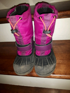 Girl's Columbia boots size 1