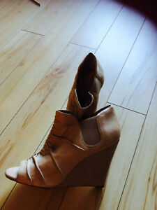 BCBG Nude open toe wedges