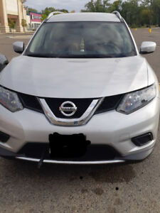 2015 Nissan Rogue - AWD and Remote Start
