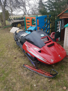 1993 skidoo 670cc mach1 with parts sled