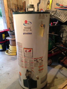 Solid Gas-Powered Water Heater 189L (50G)