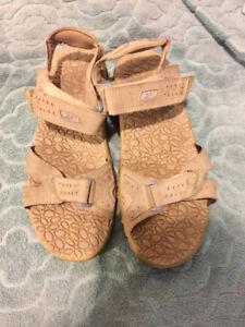 Womens Size 10 Reebok Sport Sandals