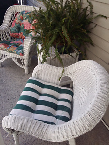 2 white Rattan chairs
