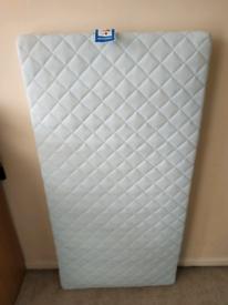 Like New IKEA Vyssa Vinka Spring+foam+feltpad cot mattress 120x60x9cm
