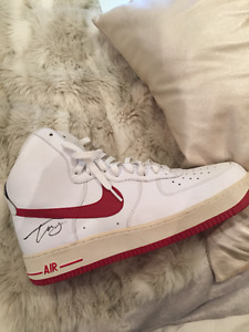!! AUTHENTIC autographed FLO RIDA Nike Shoe