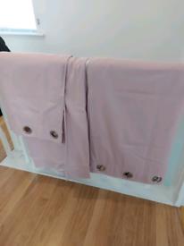 Curtain light pink